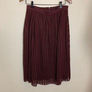 🛍🛍Forever 21 mid length skirt size L burgundy